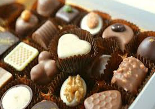 Zodiac: Gift chocolates to your Girlfriend according to her Zodiac sign